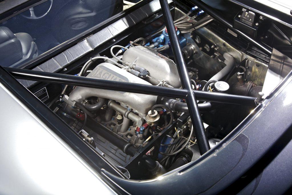 Jaguar Xj220 Car Of The Week Autovida